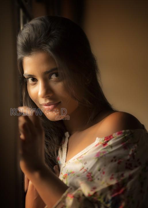 aishwarya_rajesh_hot_photos-12