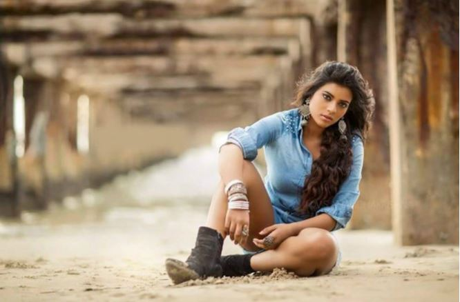 aishwarya_rajesh_hot_photos-9