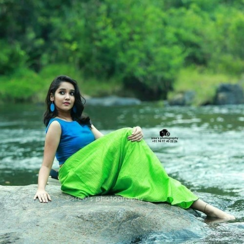 actress-anikha-surendran-latest-photos-1