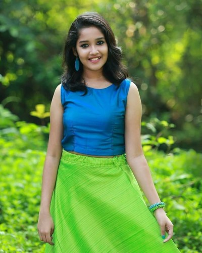 actress-anikha-surendran-latest-photos-2