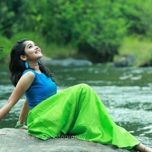 actress-anikha-surendran-latest-photos-3