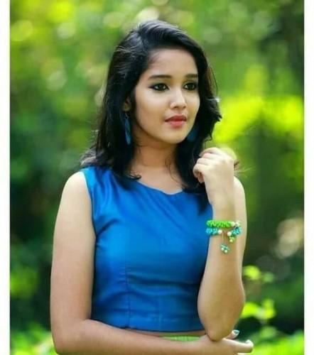 actress-anikha-surendran-latest-photos-4