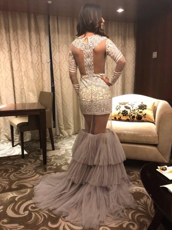 actress-hina-khan-stuns-in-a-grey-gown-3