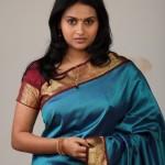 tamil_actress_kalyani_saree_35