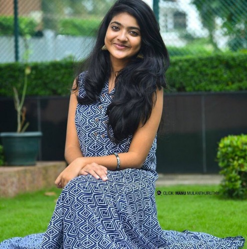 actress-nandana-varma-photo-gallery-14