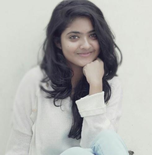 actress-nandana-varma-photo-gallery-4