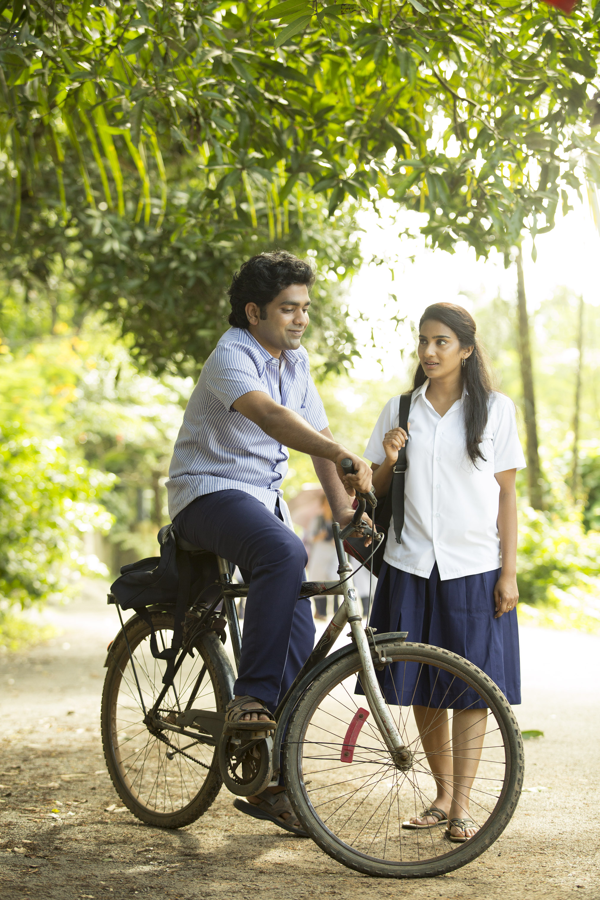 chembarathipoo_movie_stills-16