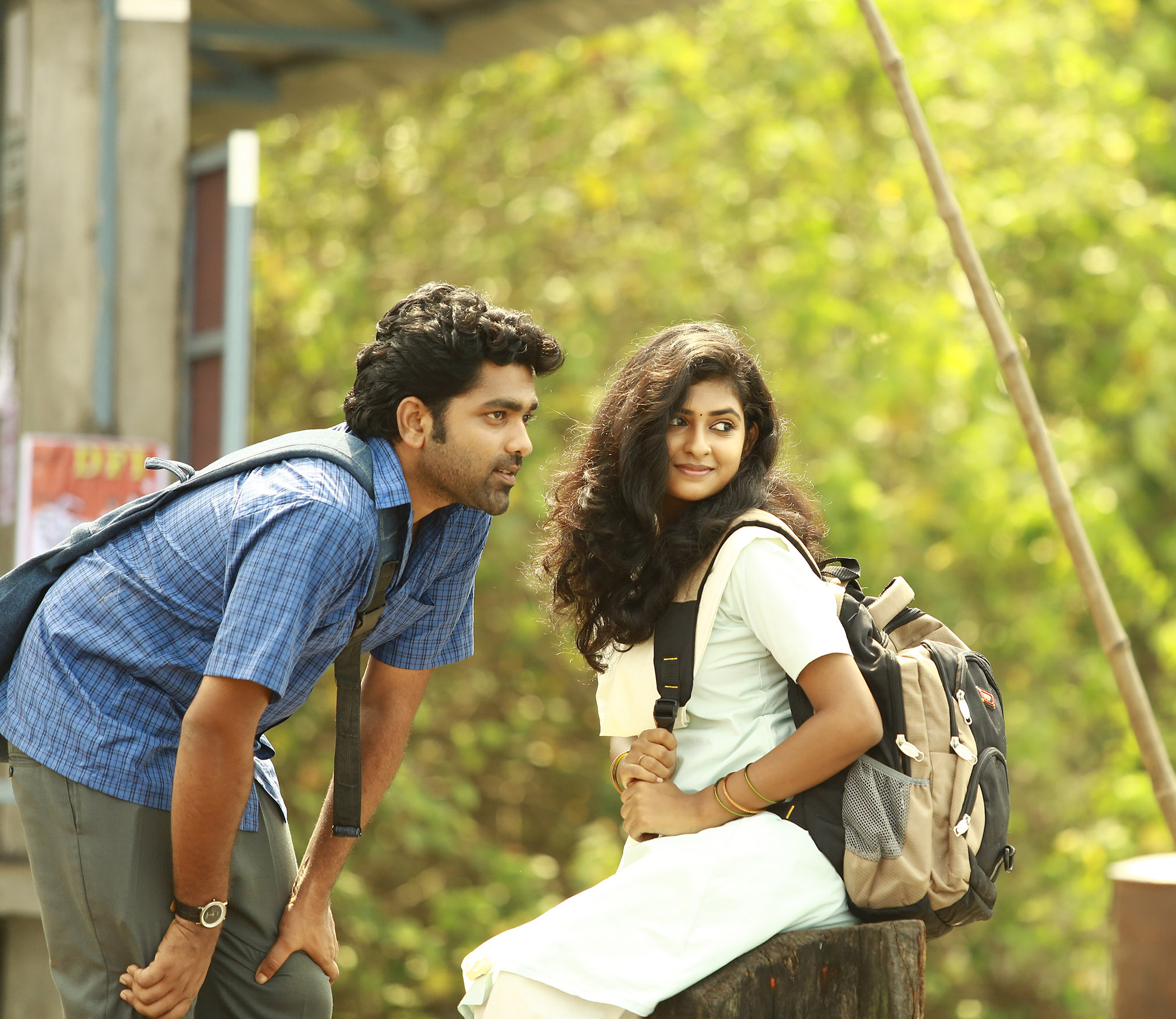 chembarathipoo_movie_stills-17