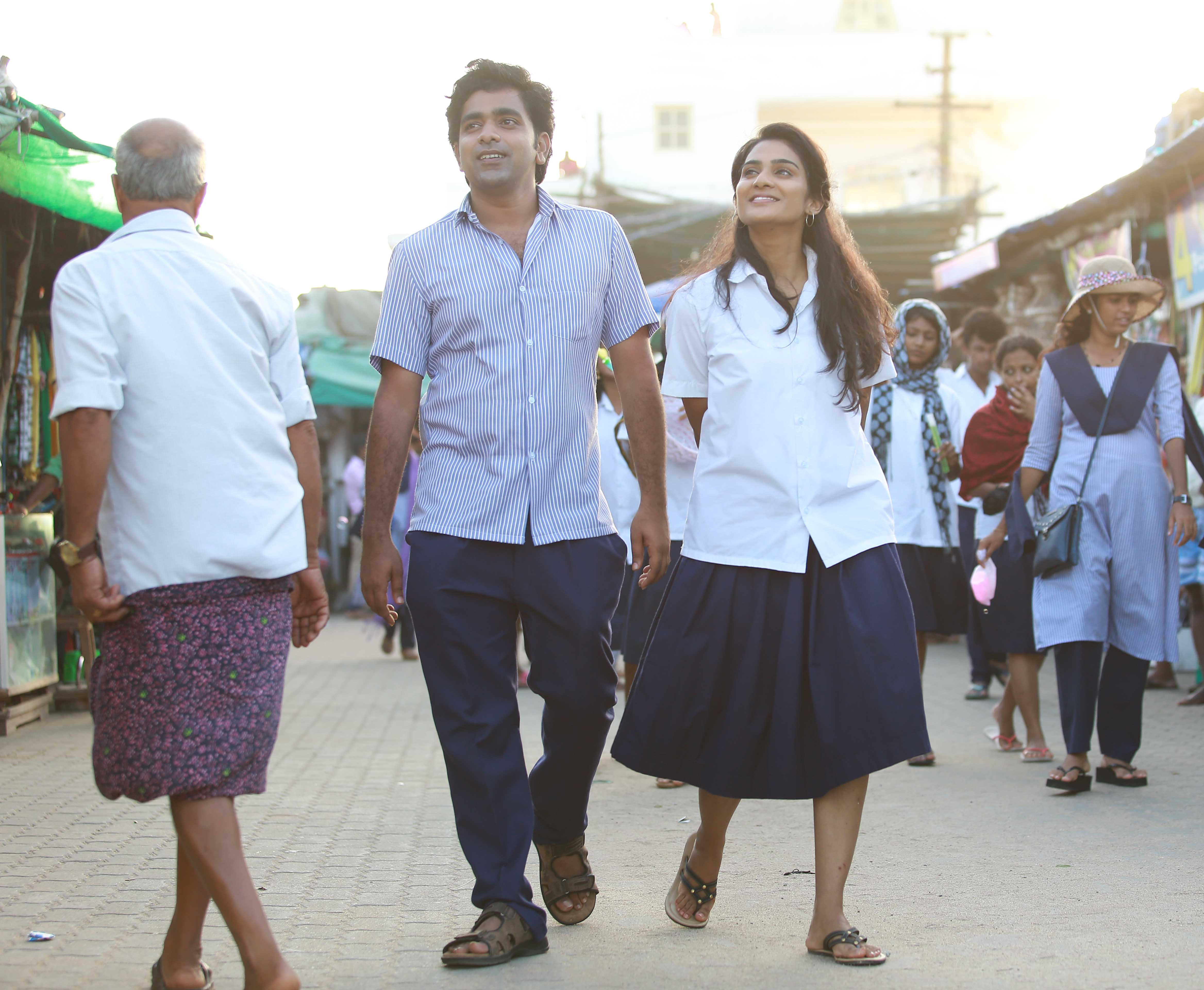 chembarathipoo_movie_stills-4