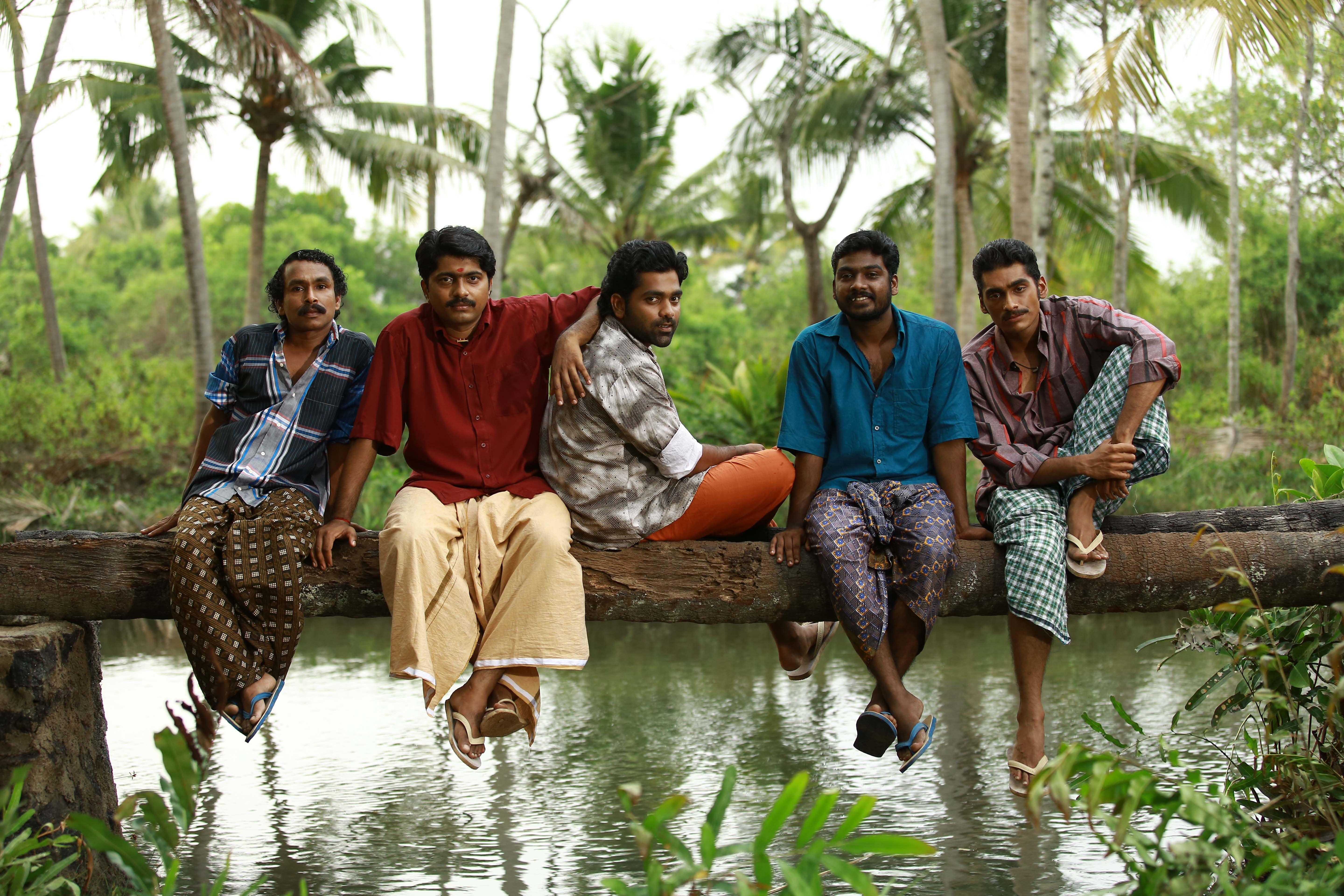 chembarathipoo_movie_stills-8