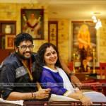 director-shaji-kailas-with-family-3