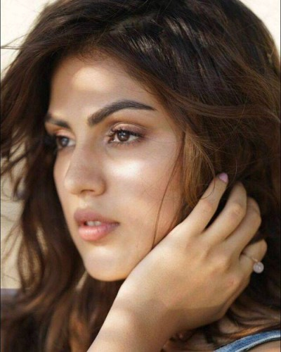 Rhea Chakraborty (Video Jockey) Hot Photoshoot