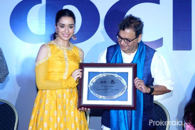 actress-shraddha-kapoor-and-director-subhash-ghai-614901
