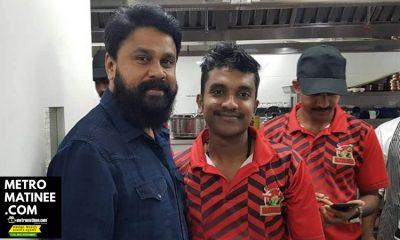 Dileep_with_Fans_in_Dubai