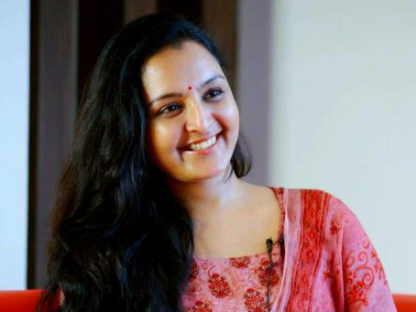 16-1502878017-manju-warrier-out-from-mohanlal-s-odiyan