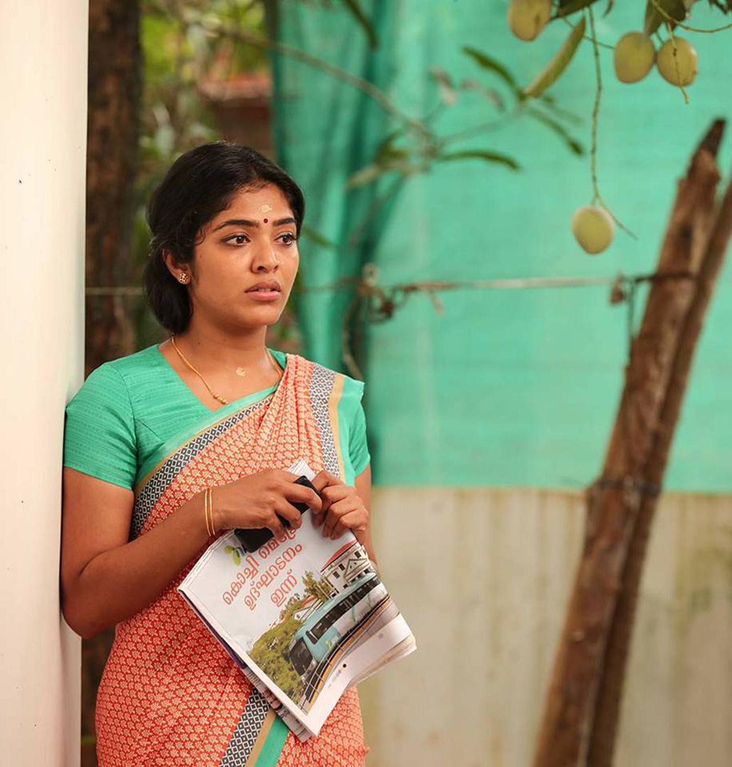 Arabi Kadalinte Rani Rima Kallingal  new movie stills